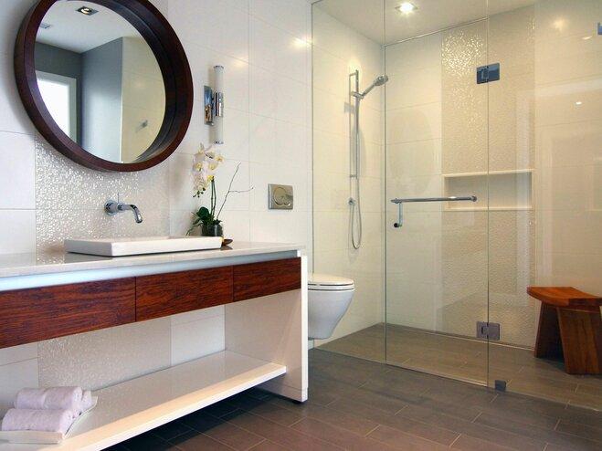 Rock Your Reno With These 11 Bathroom Mirror Ideas: 25 Modern Bathrooms To Ignite Your Next Reno