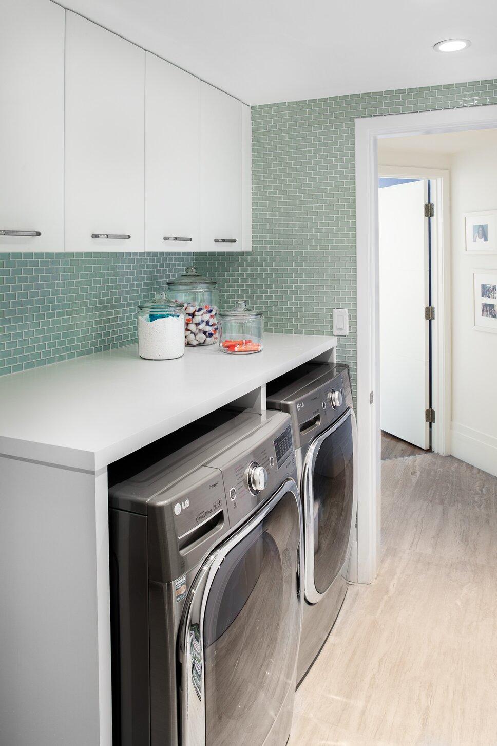 Modern Laundry & Mud Rooms design