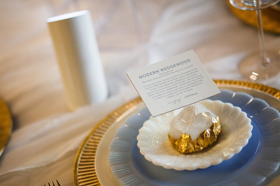 Make simple yet glamorous placecard holders by gilding crystals or quartz. Glam Dining Room design