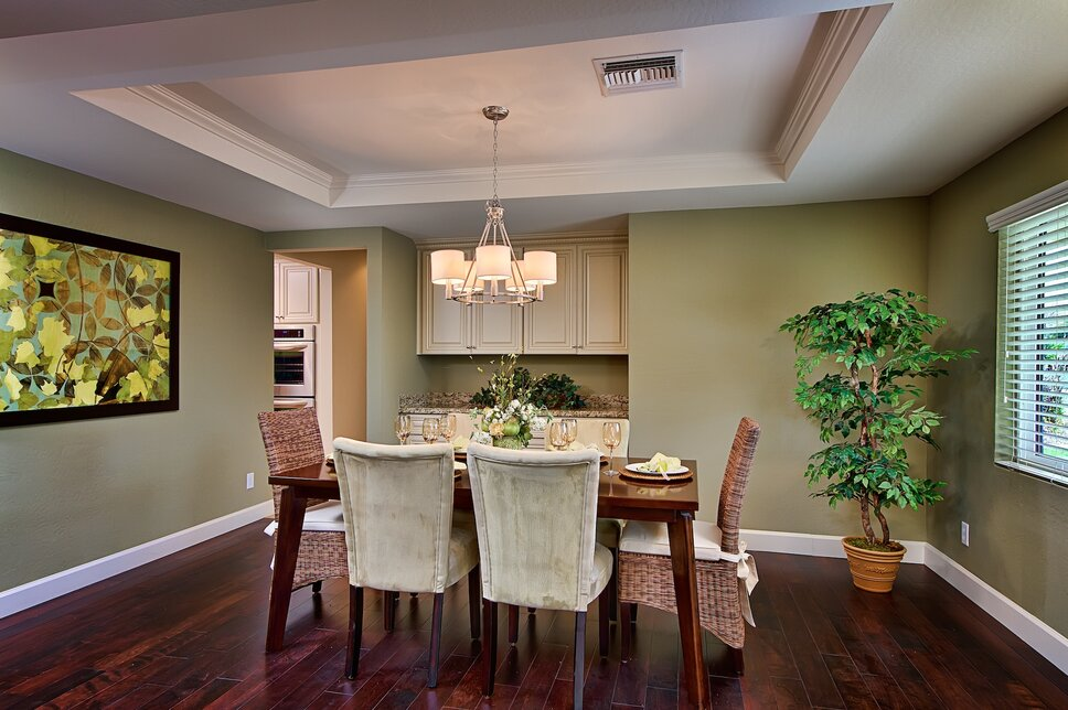 Cottage/Country Dining Room design