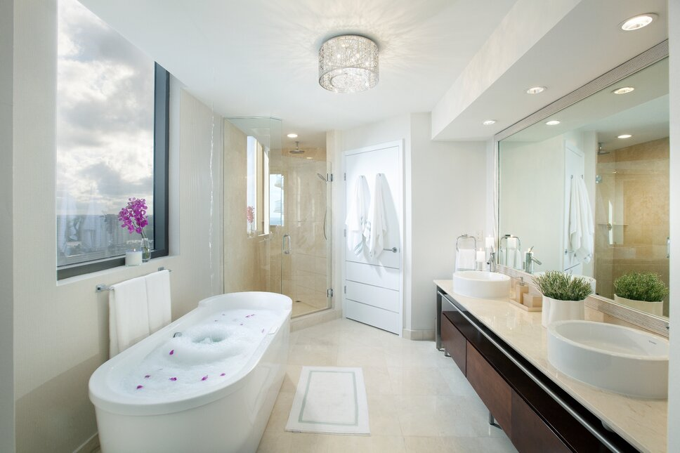 Residential interior design project in Sunny Isles, Florida. Photos by Alexia Fodere. Modern Bathroom design