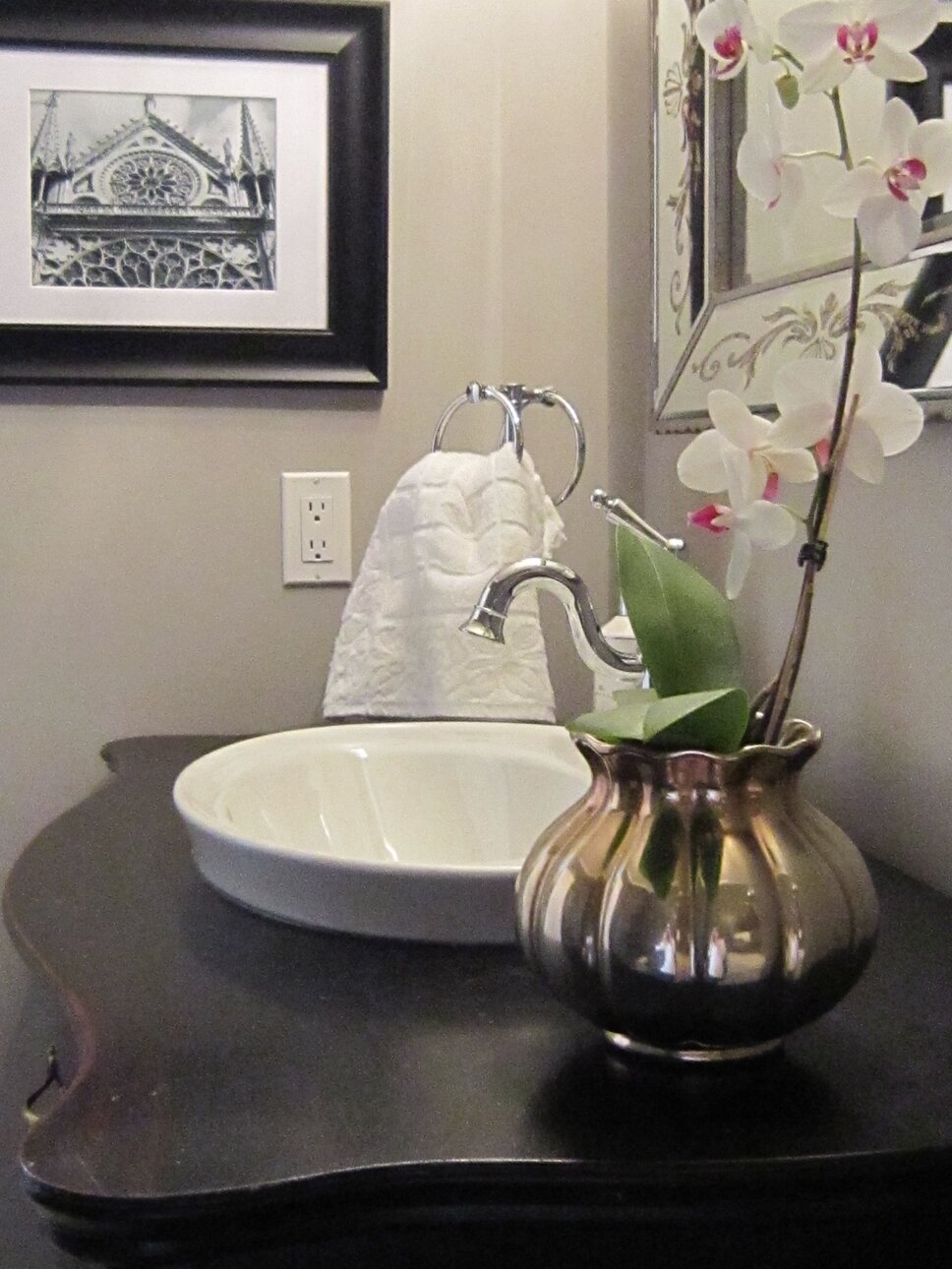DESIGN AND PHOTO CREDITS- LISA GOULET DESIGN Glam Bathroom design