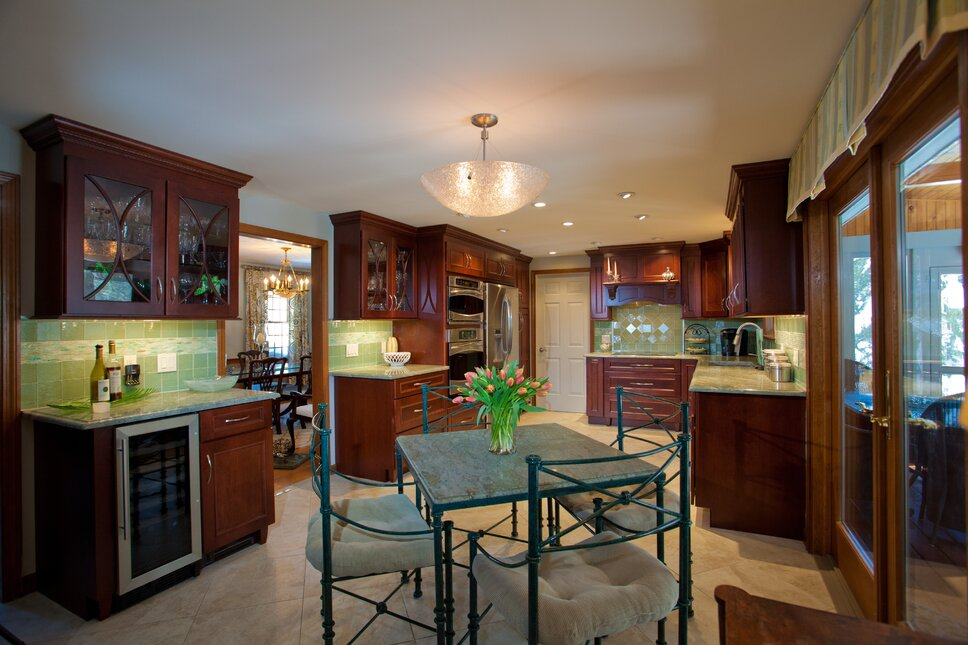 Photo by Hayward Photography Contemporary Kitchen design