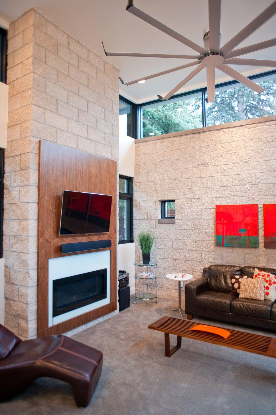 Photo by www.johnpaynestudios.com Modern Living Room design