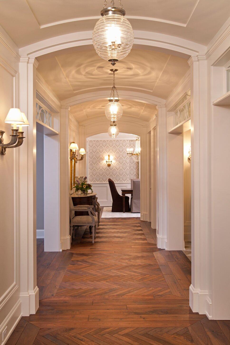 Traditional Entryway & Hallway design
