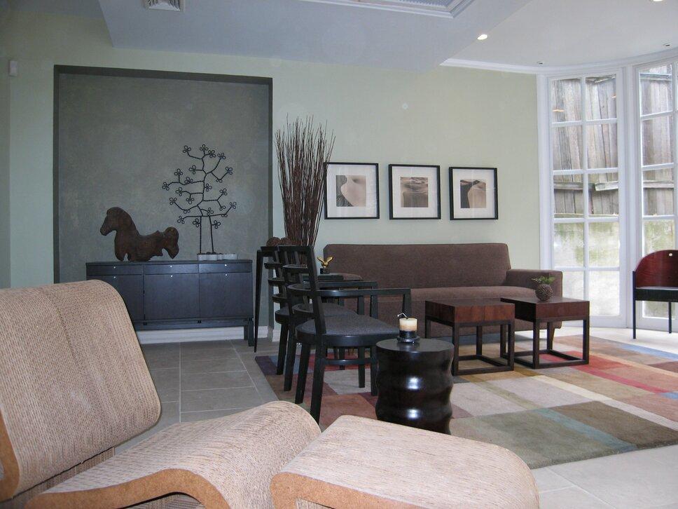 PyramidDG.com Contemporary Living Room design