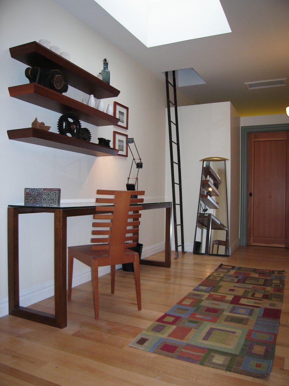 PyramidDG.com Modern Home Office design