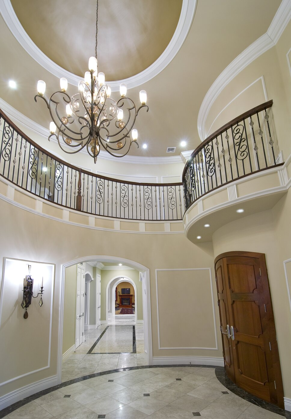 Zbig Jedrus, photographer Traditional Entryway & Hallway design