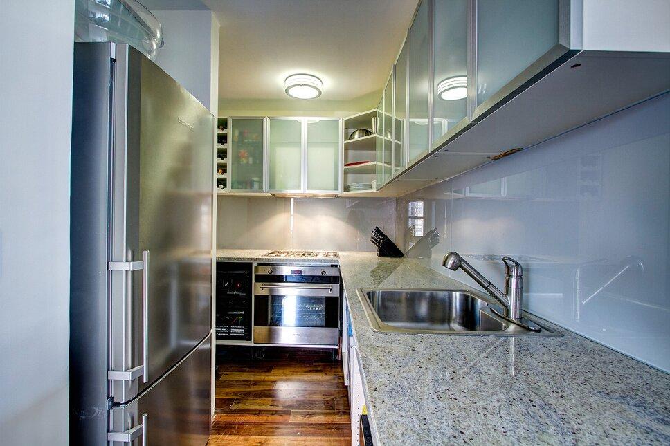 Frank Pizzurro Architects PC Modern Kitchen design