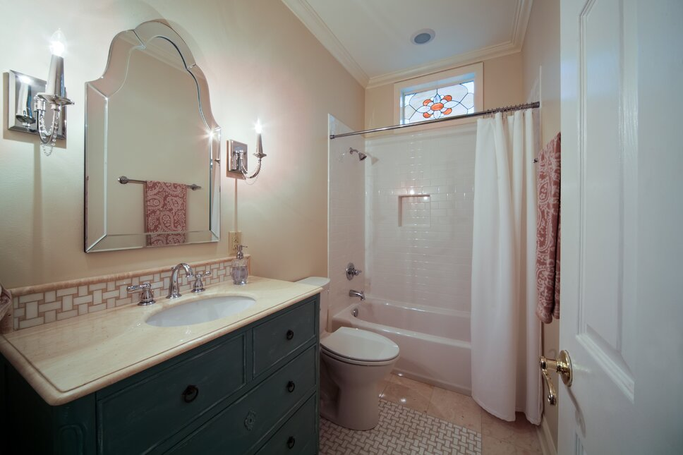 Red River Remodelers Traditional Bathroom design