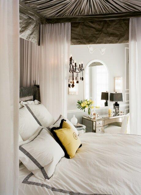 Photo VERTIKOFF Contemporary Bedroom design