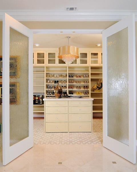 Closet Modern Storage design