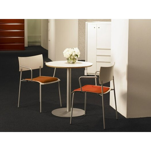 Knoll ® Piirionen Round Dining Table