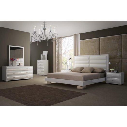 Daniella Platform Customizable Bedroom Set