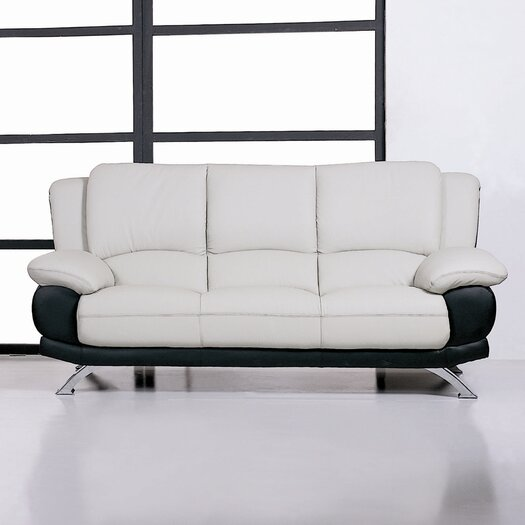 Beverly Hills Furniture Caelyn Leather Sofa