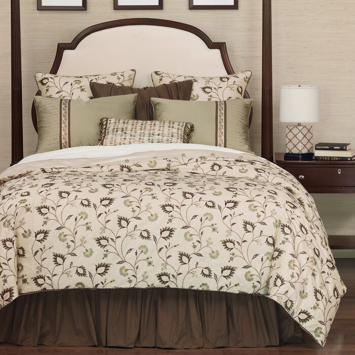Eastern Accents Michon Button-Tufted Comforter Collection