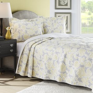 Naomi Reversible Quilt Set by Laura Ashley