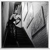 ERGO-PAUL Gerahmtes Fotodruck Schauspielerin im Abendkleid auf der Treppe