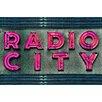 Fluorescent Palace Leinwandbild Radio, Typografische Kunst in Rosa