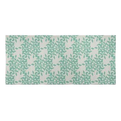 Palmyra Beach Towel Color: Green