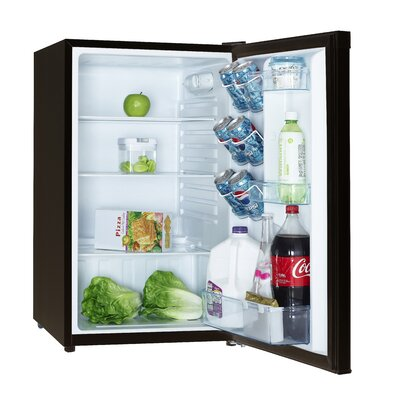 4.4 cu. ft. Compact Refrigerator Finish: Black