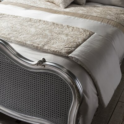 Gallery Lausanne Bed Runner