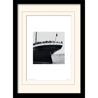 Art Group Stern View - Titanic Framed Photographic Print
