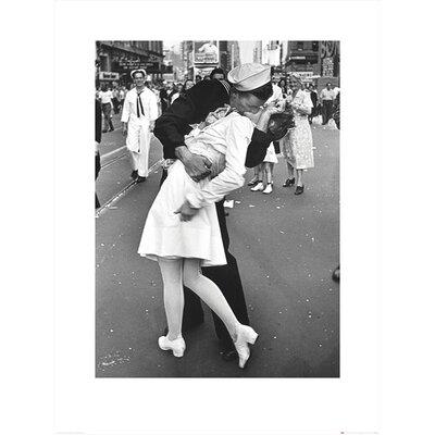 Art Group Time Life - War Time Kiss Photographic Print