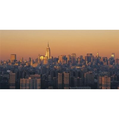 Art Group Manhattan Dusk by Richard Berenholtz Canvas Wall Art