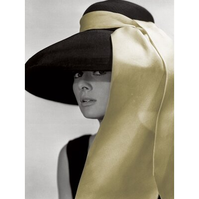 Art Group Audrey Hepburn - Hat Canvas Wall Art