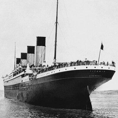 Art Group Titanic - Stern View Canvas Wall Art