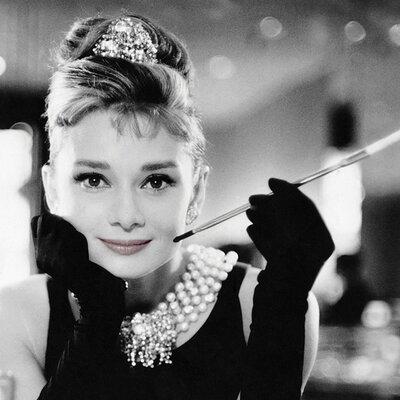 Art Group Audrey Hepburn - Smile Canvas Wall Art