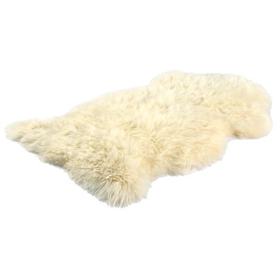 Bowron Sheepskin Long Wool Gold Star Gold Area Rug