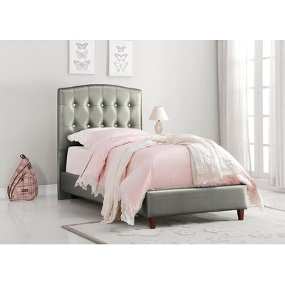 Bearup Princess Panel Bed Size: Twin