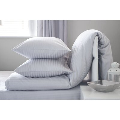 BenchmarkBrands Hotel Suite Satin Stripe Oxford Pillowcase