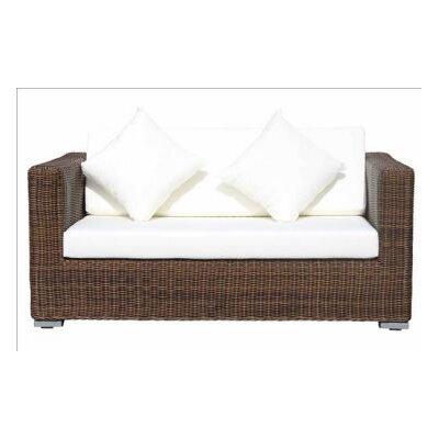IHP24 Sofa mit Kissen