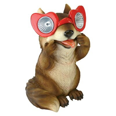 Design Toscano Statue Bright Eyes Solar Squirrel