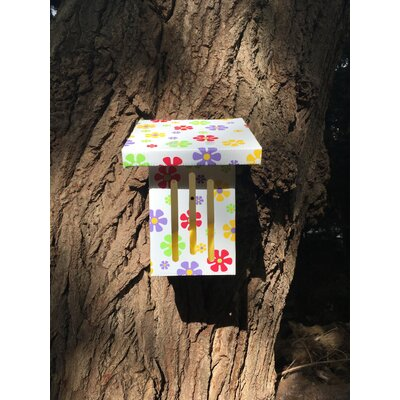 Butterfly Crazy Daisy 8 in x 4 in x 4 in Butterfly House