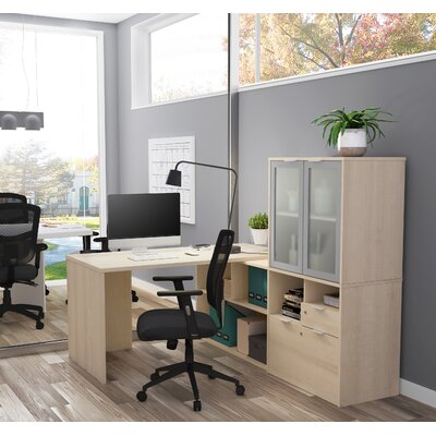 Prattsburgh L-Shape Desk with Hutch Color: Northern Maple