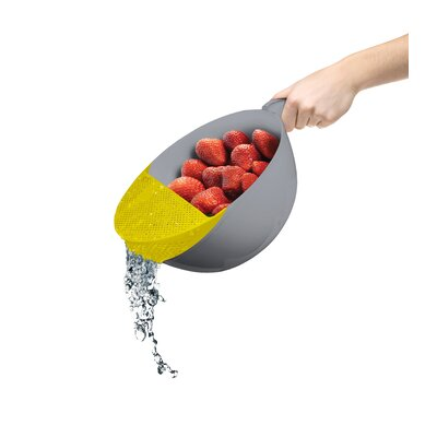 """Plastic Food Strainer Color: Green, Size: 5"""" H x 7"""" W x 7"""" D"""