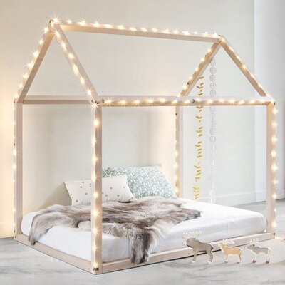 Grattify Canopy Bed