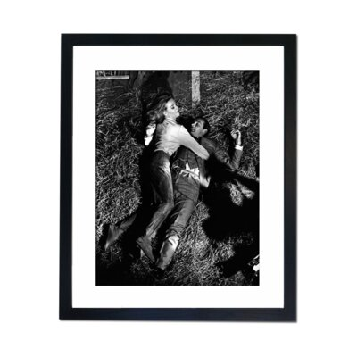 Culture Decor Sean Connery and Pussy Galore Framed Photographic Print