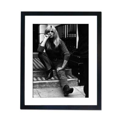 Culture Decor Brigitte Bardot - London Framed Photographic Print