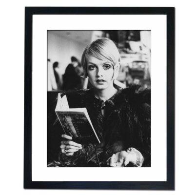 Culture Decor Twiggy Framed Photographic Print