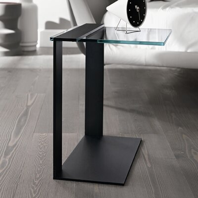 Urban Designs Stevip Bedside Table