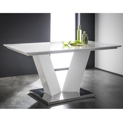 Fjørde & Co Kasandra Dining Table