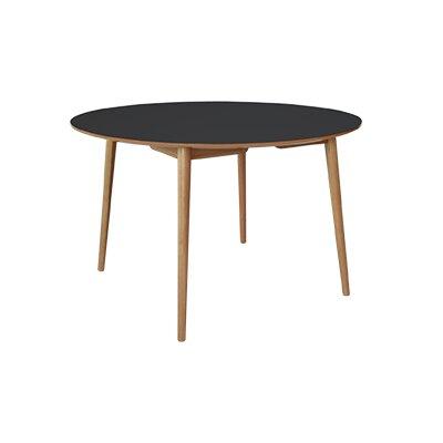 Fjørde & Co Veltro Dining Table
