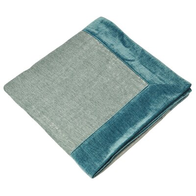 House Additions Wellesley Throw
