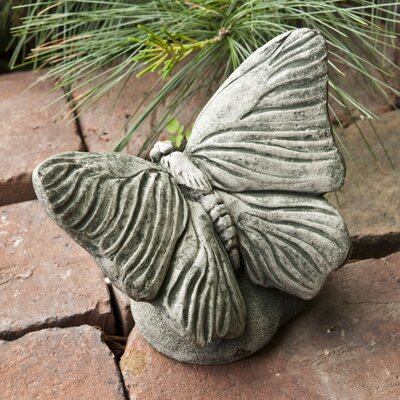 Butterfly Statue Color: Verde