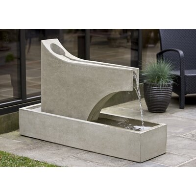 Concrete Precipice Fountain Finish: Verde